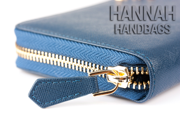 zipper wallet closure