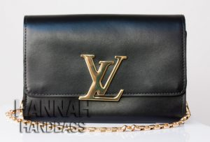 Fake Authentic Louis Vuitton Chain Louise GM Clutch purse